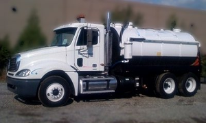 Photograph of tank truck for recycling liquids.